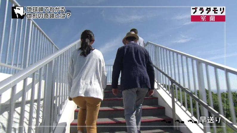 【お尻キャプ画像】ピッタリムチムチなピタパン履いたお尻汚タレント達w 20