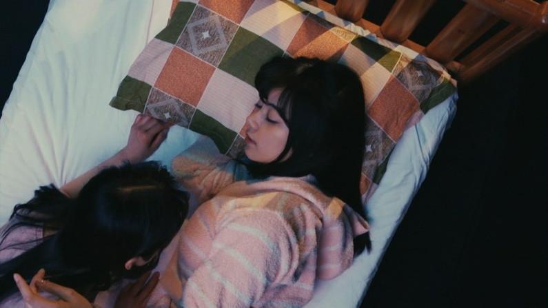 【寝顔キャプ画像】テレビで無防備な寝顔晒されちゃったタレント達w 18