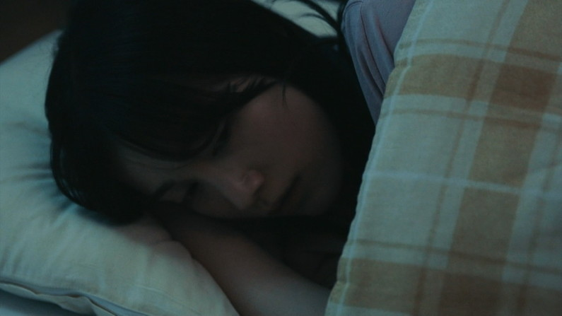 【寝顔キャプ画像】テレビで無防備な寝顔晒されちゃったタレント達w 21