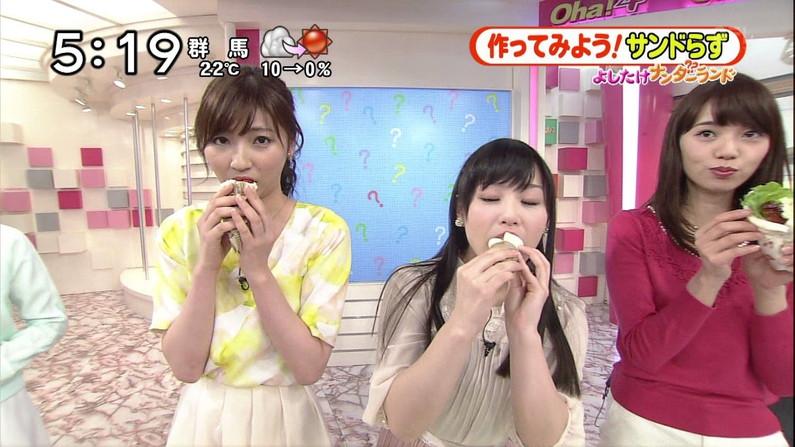 【疑似フェラキャプ画像】タレント達がやらしい顔しながら食レポする様子がエロすぎww 24