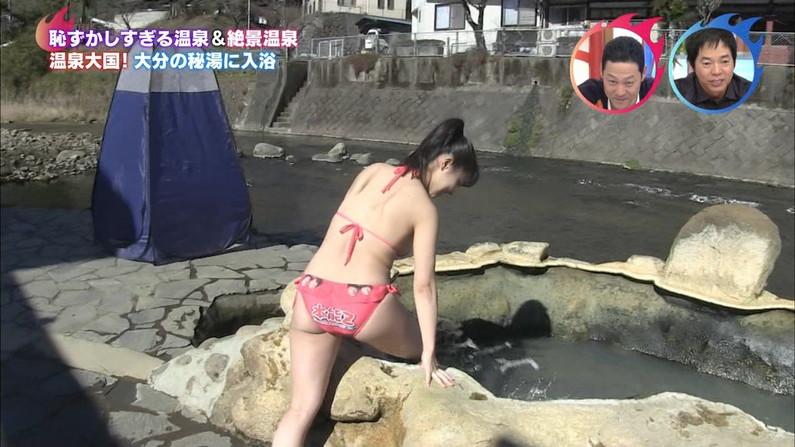 【お尻キャプ画像】テレビ見てたら水着ずらしてバックからハメた唸るようなエロいお尻が映ってたw 18