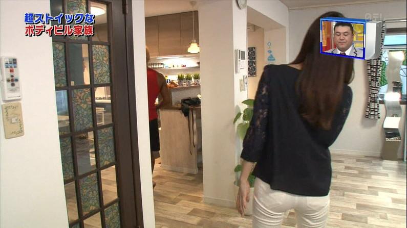 【お尻キャプ画像】ピタパン履いてるタレントさん達のヒップラインが丸見えww 06