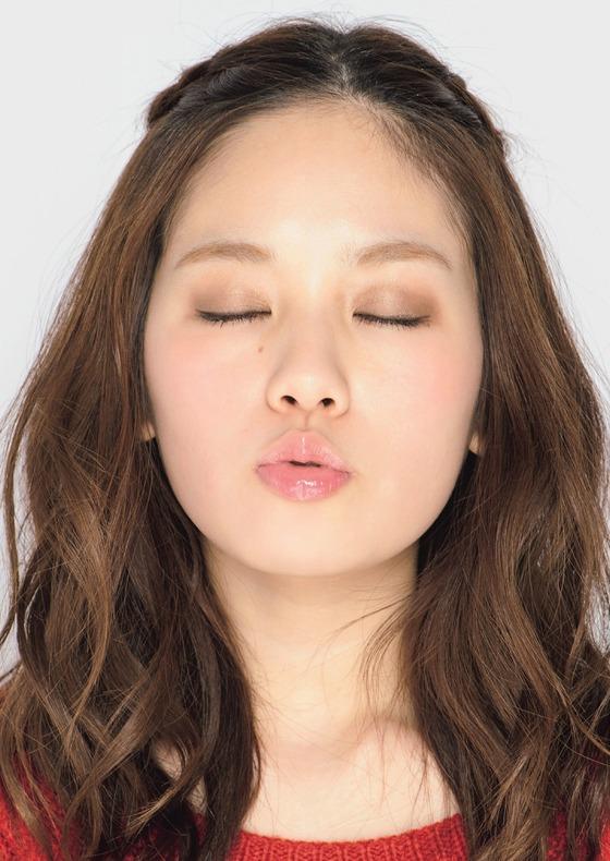 【キスキャプ画像】思わず画面越しでもキスしたくなるようなタレント達の可愛いキス顔w 09