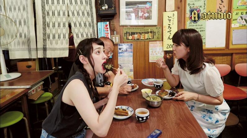 【疑似フェラキャプ画像】フェラの練習ですか?と思うくらいエロい食レポするタレント達w 13