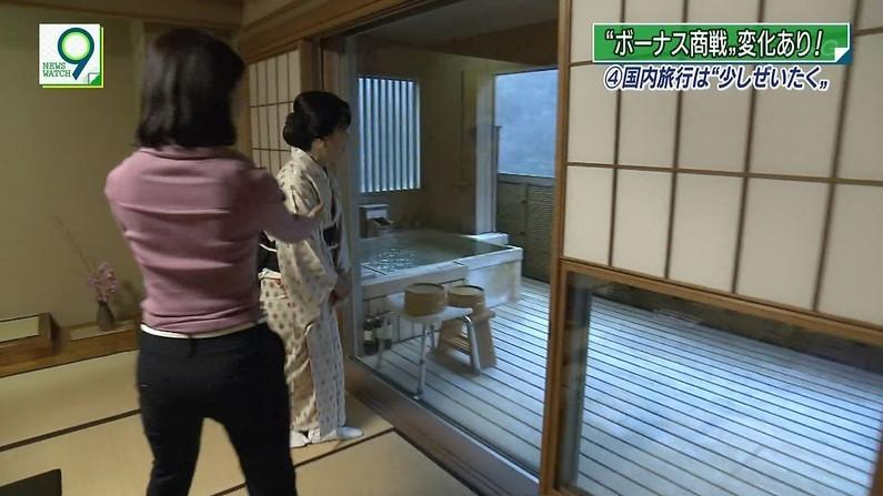 【お尻キャプ画像】タレントさん達のムッチリお尻に食い込むピタパンがエロすぎw 09