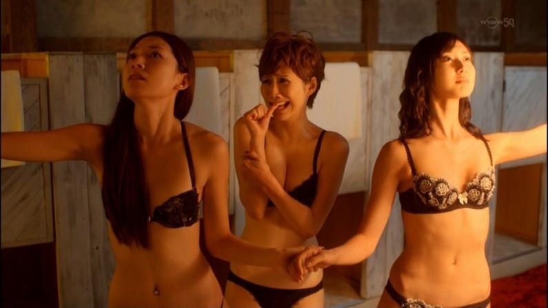 【下着キャプ画像】テレビで大胆にも下着姿を披露した女達ww 17