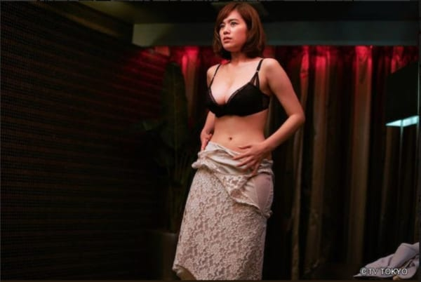 【下着キャプ画像】テレビで大胆にも下着姿を披露した女達ww 20
