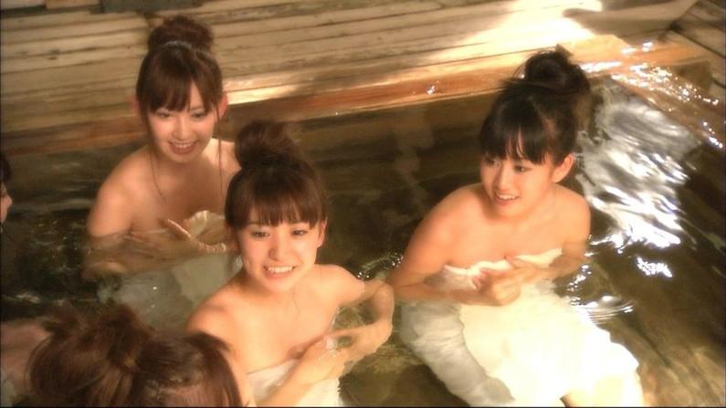 【温泉キャプ画像】バスタオルからのポロリ期待値高めの温泉レポがエロすぎw 16