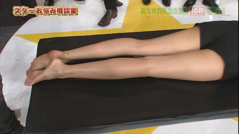 【足裏キャプ画像】以外に見れないタレントさん達の綺麗な足の裏に興奮しない?w 23