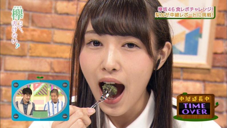 【疑似フェラキャプ画像】思わずムラムラさせるような食レポするタレント達w 19