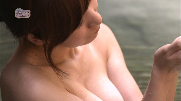 【温泉キャプ画像】何だかポロリの予感するタレント達の温泉レポww 15
