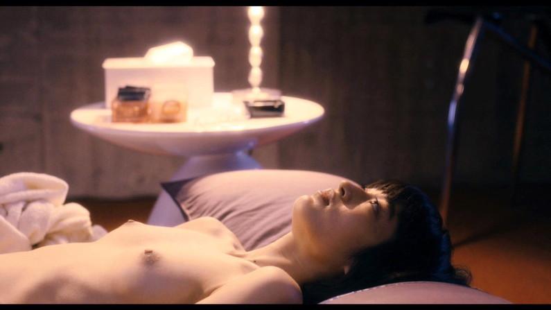 【濡れ場キャプ画像】AV女優も顔負けのベッドシーンを繰り広げる女優さん達w 10