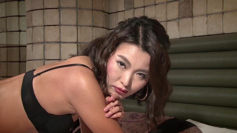 【お宝キャプ画像】ケンコバのバコバコTVに出てた透けパン美女とTバック美女がエロすぎww 08