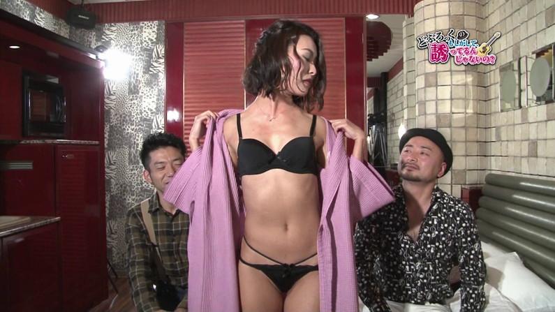 【お宝キャプ画像】ケンコバのバコバコTVに出てた透けパン美女とTバック美女がエロすぎww 11
