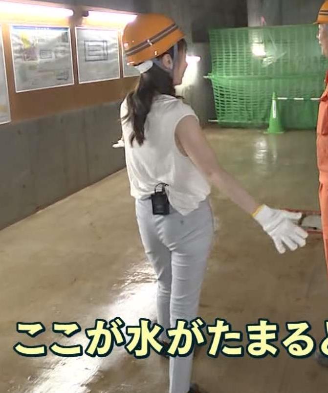 【お尻キャプ画像】パン線浮きあがるピタパンお尻のエロいタレント達w 12