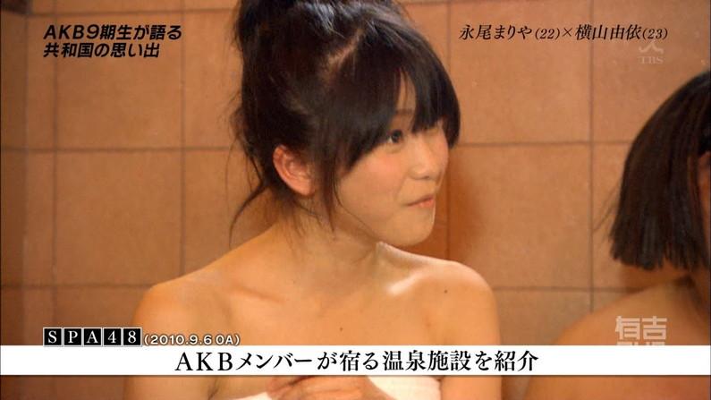 【温泉キャプ画像】人気アイドルまでがバスタオル一枚でテレビに出て温泉レポしてるぞw 04