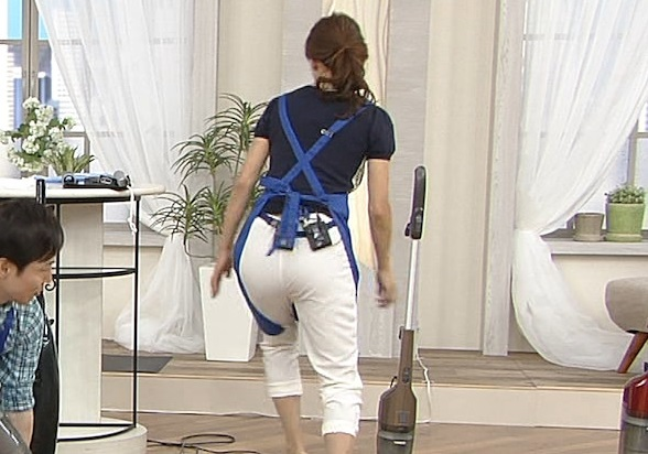 【お尻キャプ画像】ピタパン履いて綺麗なヒップライン見せつけてるタレント達w 09