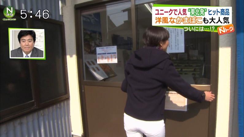 【お尻キャプ画像】ピタパン履いて綺麗なヒップライン見せつけてるタレント達w 16