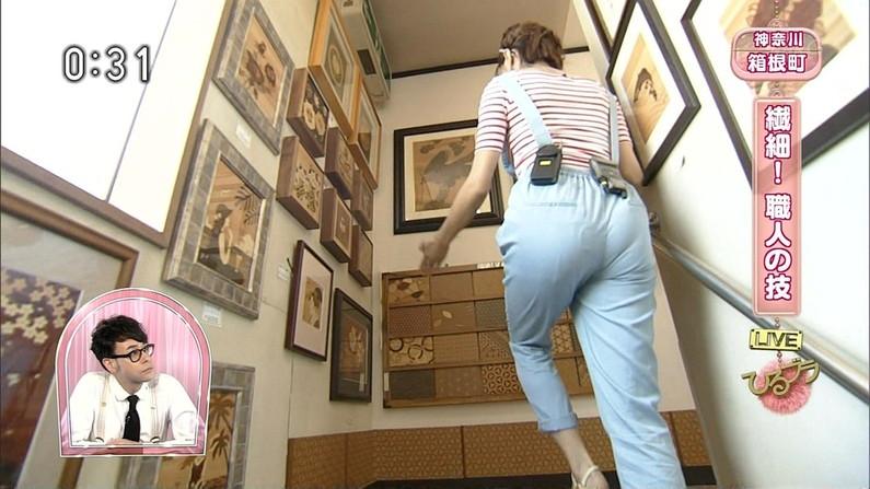 【お尻キャプ画像】ピタパン履いて綺麗なヒップライン見せつけてるタレント達w 20