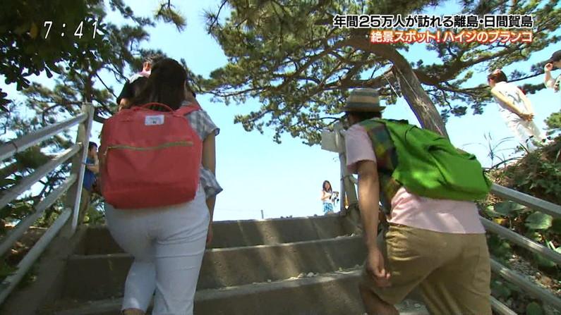 【お尻キャプ画像】ピタパン履いて綺麗なヒップライン見せつけてるタレント達w 22