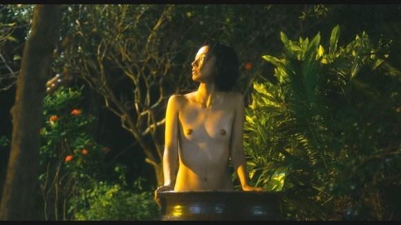 【濡れ場キャプ画像】オッパイ丸出しになって濡れ場を演じる女優さん達ってエロすぎるよなw