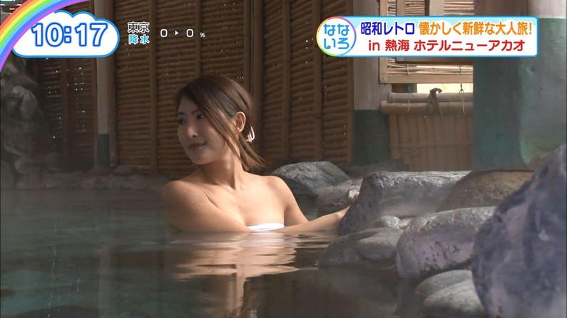 【温泉キャプ画像】乳房はみ出しまくりで温泉レポするタレント達ww 08