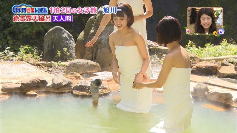 【温泉キャプ画像】谷間がエロすぎるタレントさん達の温泉レポww 21