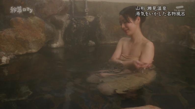 【温泉キャプ画像】絶対にポロリ期待してしまう巨乳タレント達の温泉レポw 07