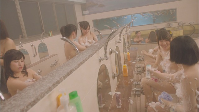 【温泉キャプ画像】タレント達の入浴シーンでハミ乳しまくりw 18