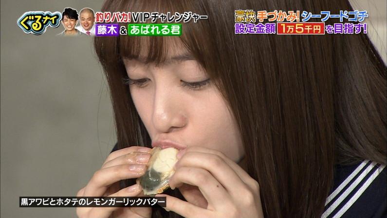 【疑似フェラキャプ画像】大きな口空けてやらしい顔しながら食レポしてるタレント達w 03