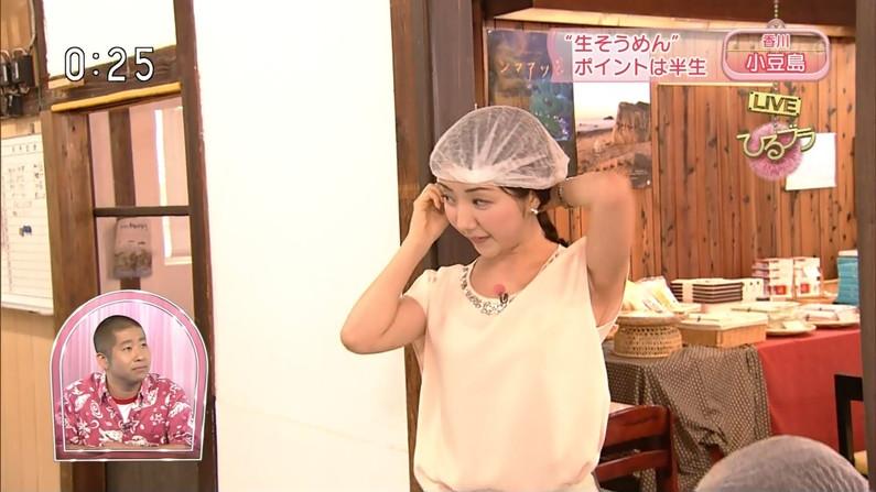 【脇キャプ画像】脇マンコと呼ばれてもおかしくないタレント達のエロい脇w 11