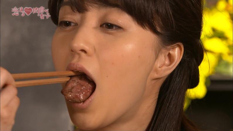 【疑似フェラキャプ画像】疑似フェラしてるように食レポしてるタレント達w 04